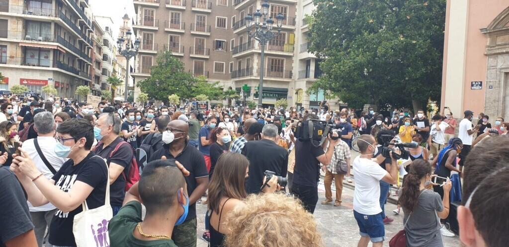 Valencia desafía las prohibiciones por George Floyd, el afroamericano muerto 20200607_110044(8)